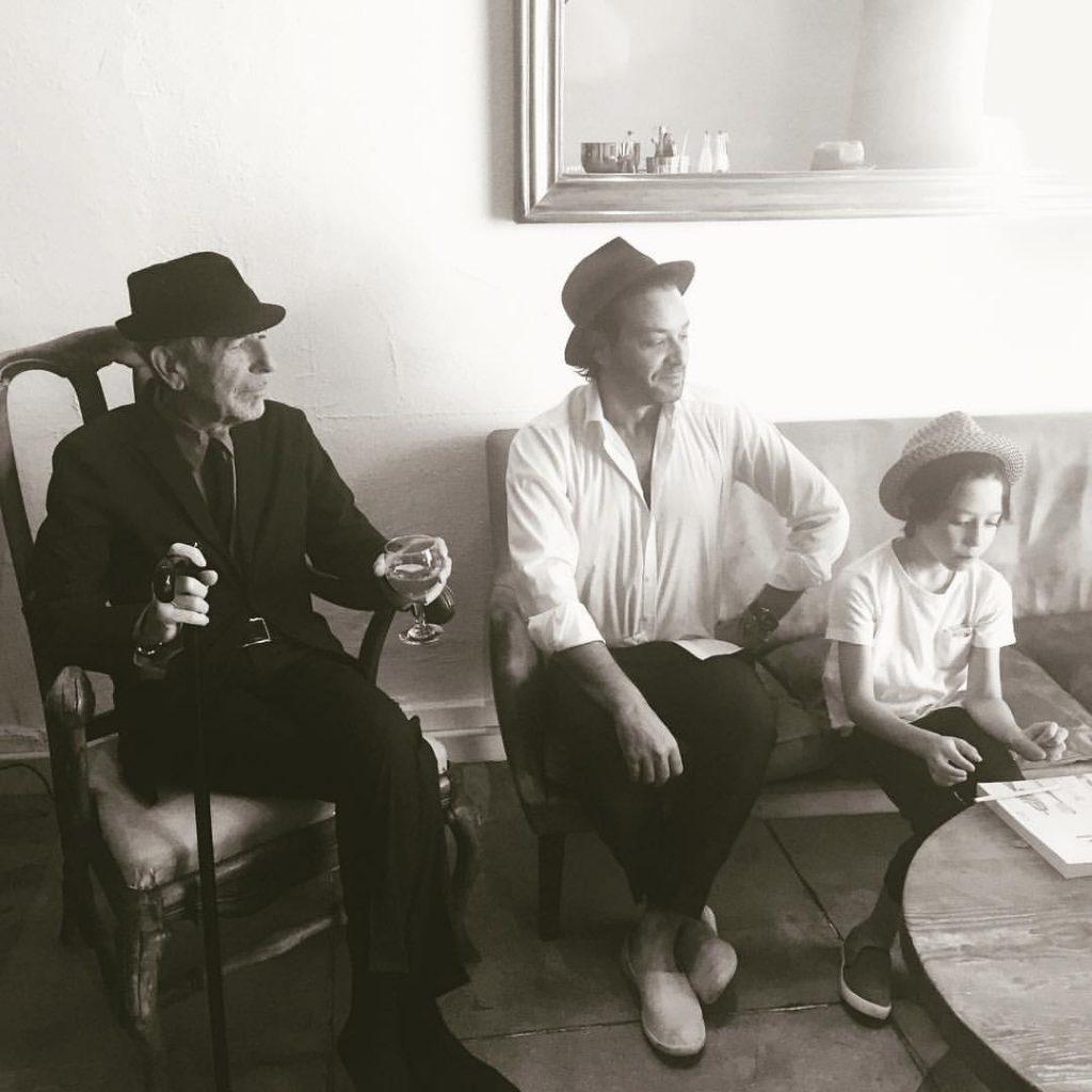 Hombres de la familia Cohen.