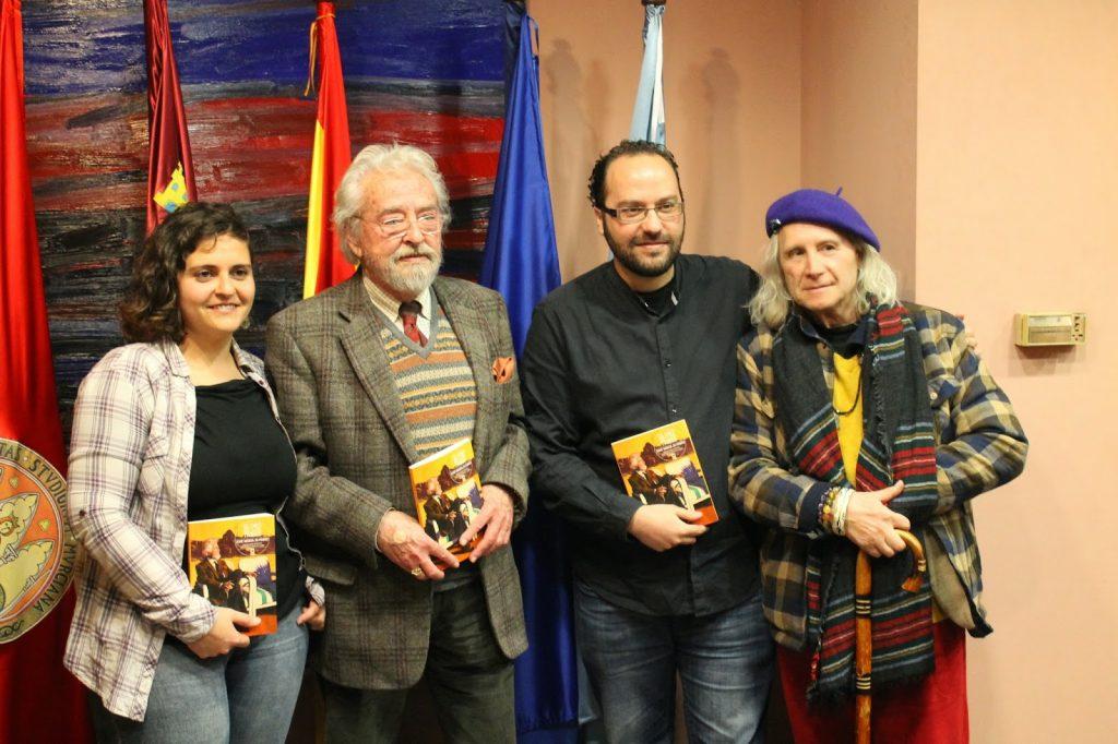 Antóloga, autor, editor y Soren Peñalver, amigo del autor.