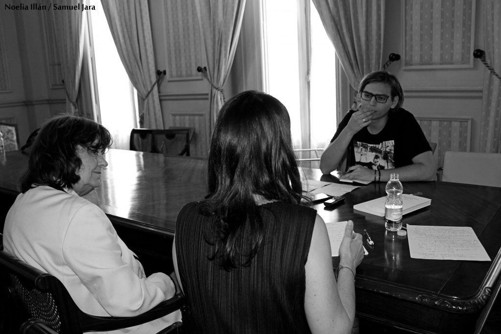 Ana Blandiana junto con su traductora, Viorica Patea.