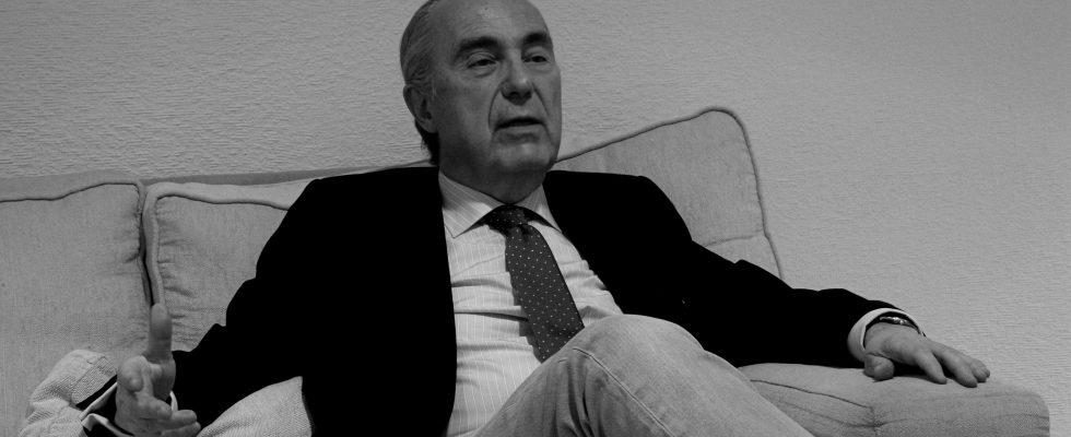 Luis Alberto de Cuenca.